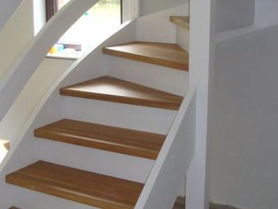 schody samonośne 32